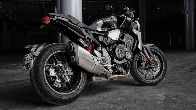 Seitenansicht einer Honda CB1000R Neo Sports Café