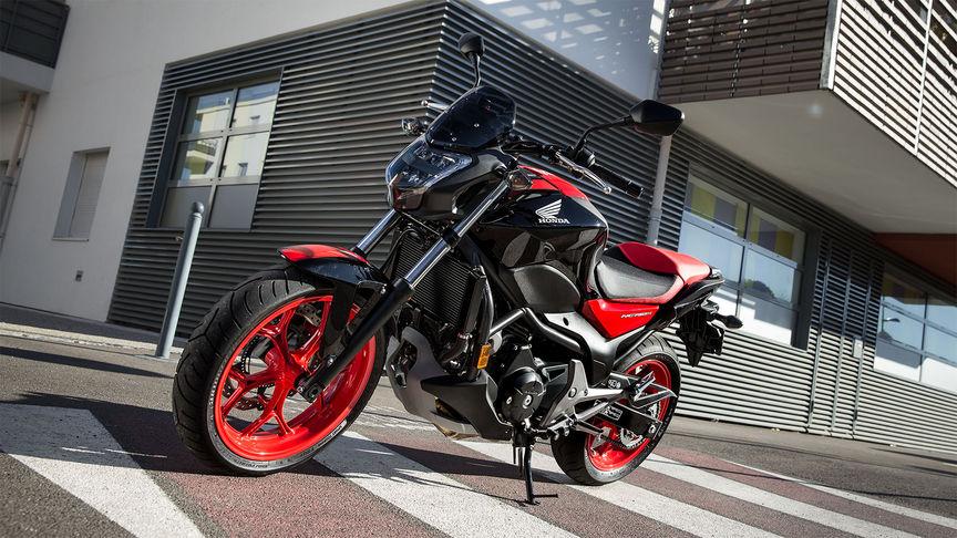 bersicht nc750s 2016 naked bikes modellpalette. Black Bedroom Furniture Sets. Home Design Ideas