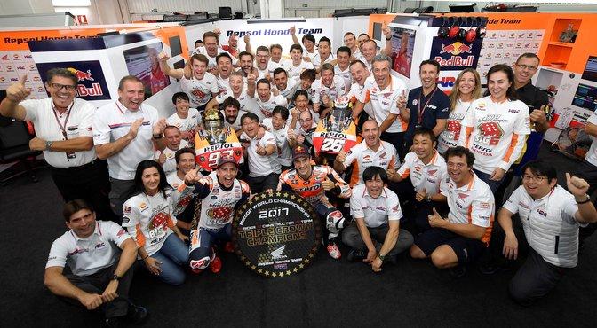 Das Repsol Honda Team sichert sich den Dreifach-Titel